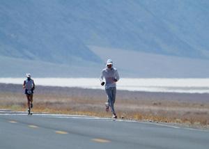 Scott Jurek pendant la course Badwater