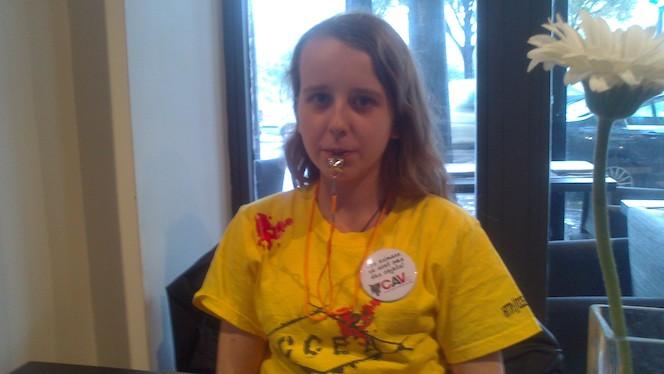 Emilie avant une manifestation anti-corrida