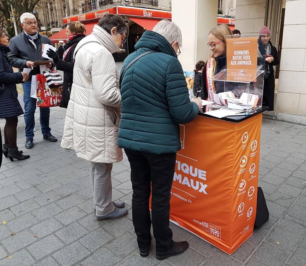 Stand bénévole Reims